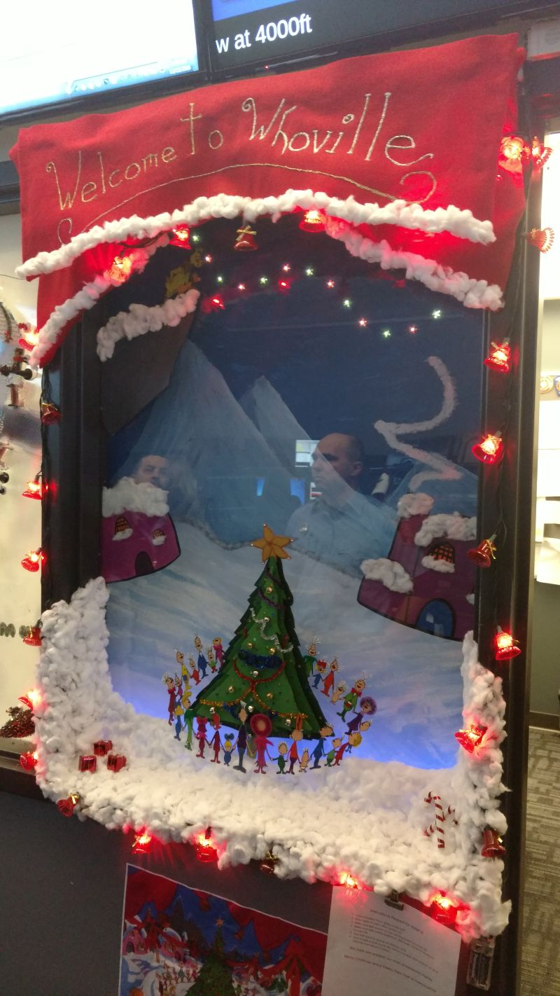 Holiday Window Decorating Contest | Litchfield County Dispatch